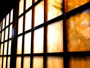 窓に使われる素材にガラスが多い理由